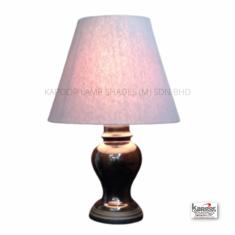 Porceline table lamp with lamp shade/Lampu meja